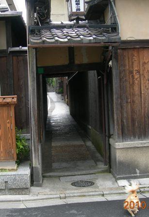 石塀小路3.JPG